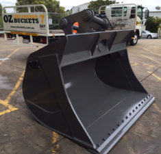 40 45T 2200MM Tilt Bucket (4) web
