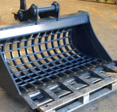 10.0 14.9T 1500mm Sieve with teeth   adaptors web