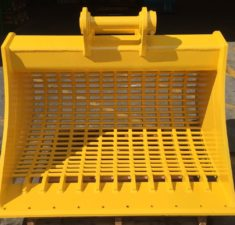 15 22.9T 1500mm Sieve with 100mm x 30mm hole spacings (1) web