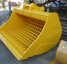30.1   35.0T Sieve Bucket with optional bolt on edge (2) web